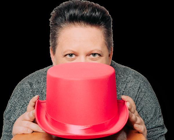 Annika Pulkkinen ja pinkki taikurin hattu